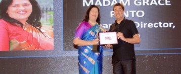 Madam Grace Pinto receives the Inspiring Business Leader Award- RYAN INTERNATIONAL SCHOOL